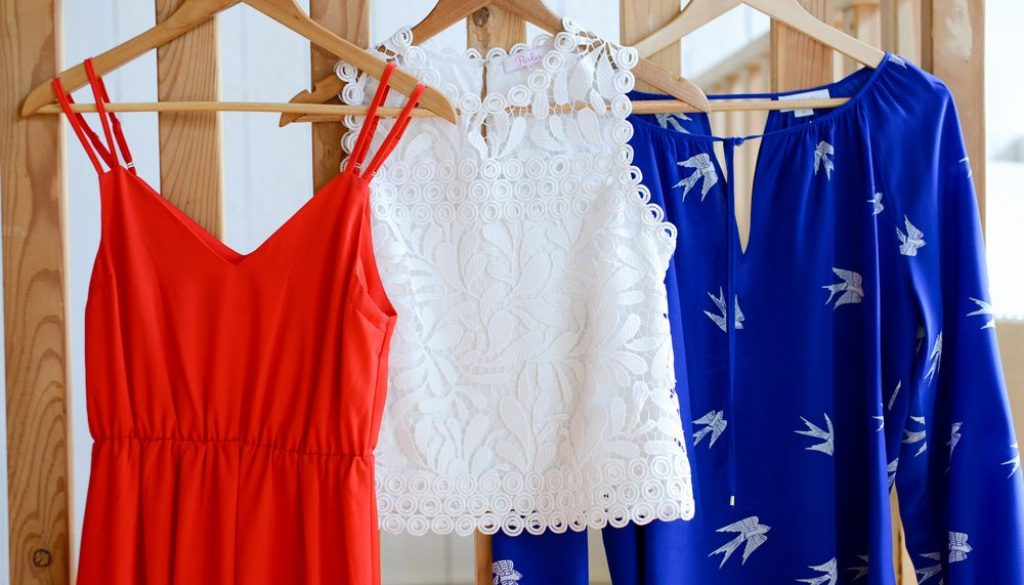Sport your best patriotic self by putting on something with a bit of spark this fourth of July. Here's some Independence Day outfits to get you started!