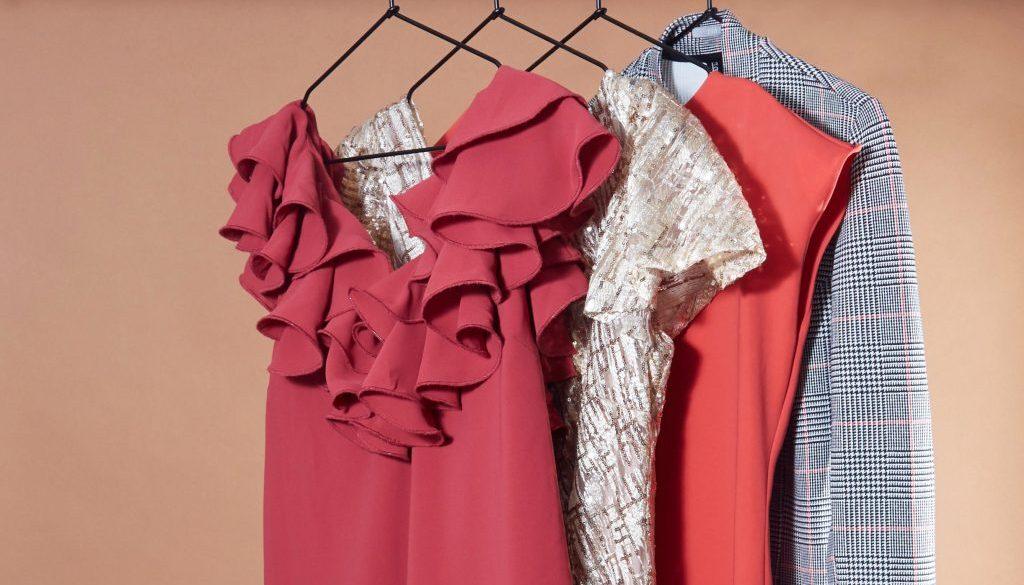 Hanging_Dresses (1)