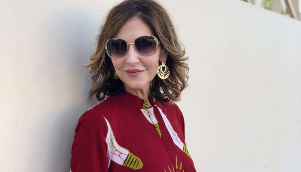 Style blogger at @50shadesofstylebykelley and Armoire member, Kelley McCoy shares her secret to finding great style after 40.
